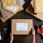 Utilice este sitio web para encontrar la forma más económica de enviar un paquete