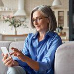 7 de los mejores teléfonos inteligentes para personas mayores (2021)