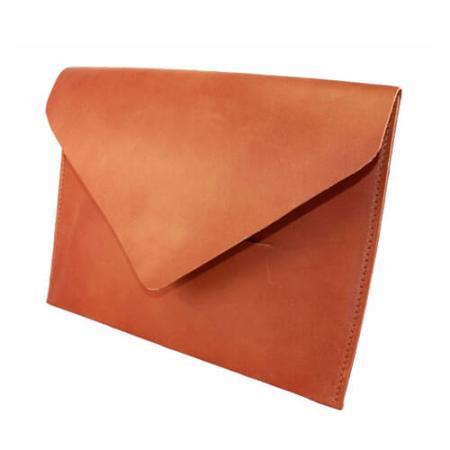Håndlavet iPad sleeve i brunt kraftigt læder til mænd og kvinder - dansk design og håndværk - Det Lille Læderi