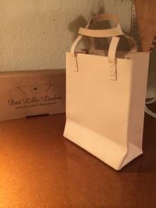 Bærepose i håndsyet kernelæder - Det Lille Læderi