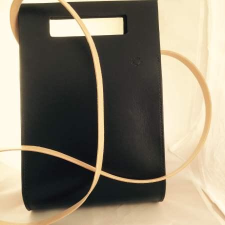 Thyra håndsyet sort kernelædertaske fra Det Lille Læderi 12