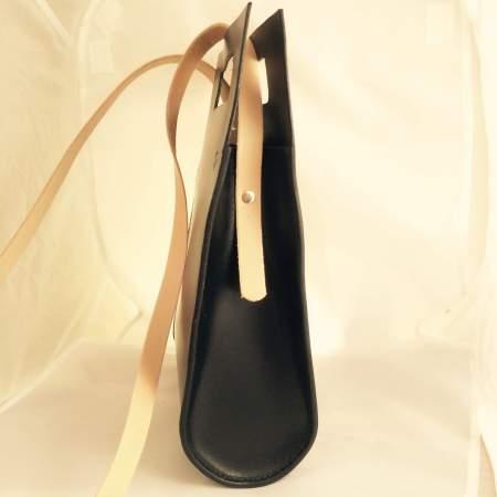 Thyra håndsyet sort kernelædertaske fra Det Lille Læderi 8