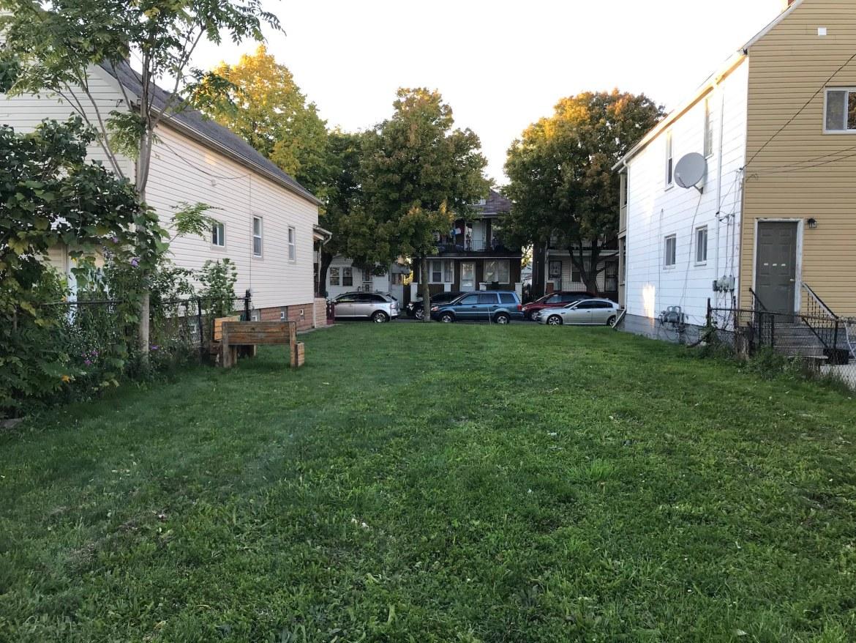 image of empty lot in Hamtramck