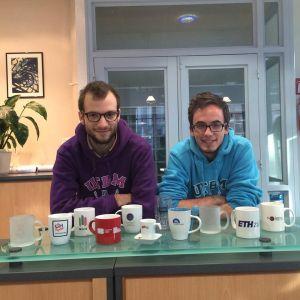 Dans leurs bagages, Alexandre Videau et Clément Arbib avaient emmené des mugs UTBM. Objectif de l'opération « Exchange your mugs » : symboliser, par l'échange de cadeaux « personnalisés » les échanges possibles entre universités.