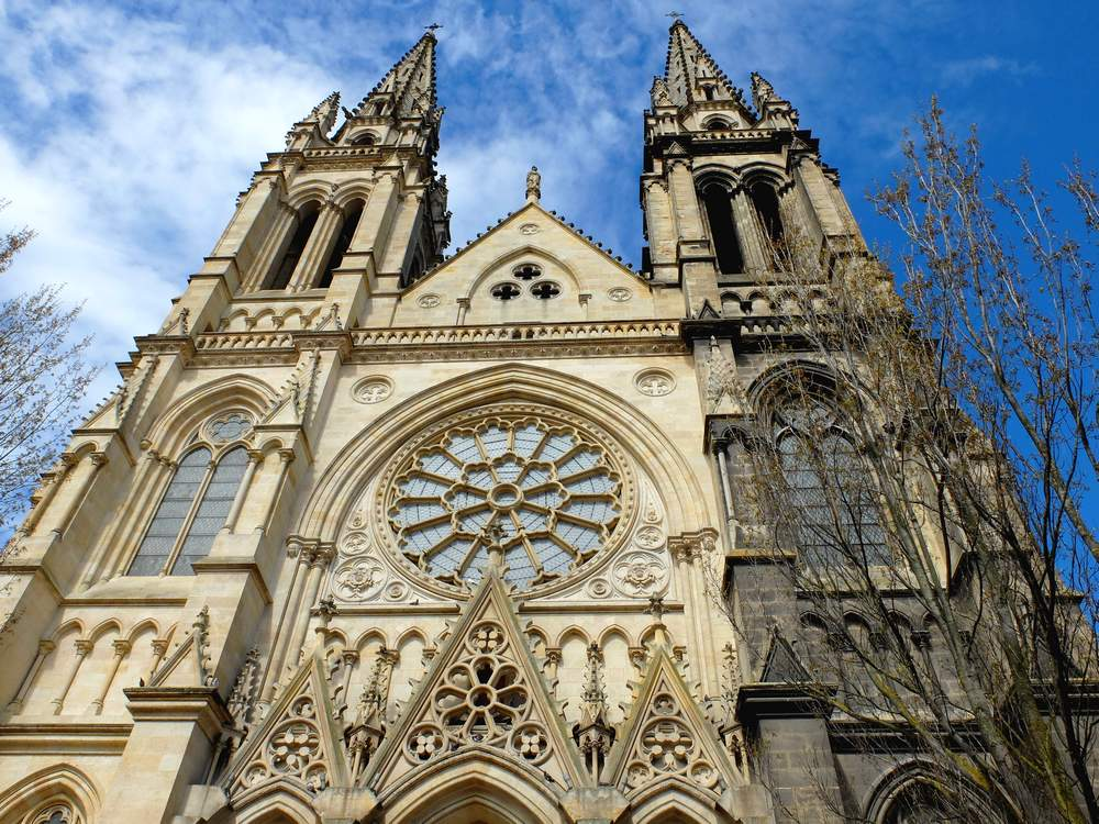 bordeaux-eglise-chartrons_blog detours du monde