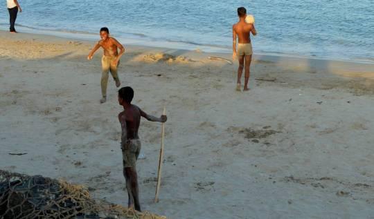 sri lanka kids beach