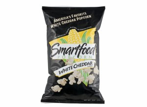 231208-popcorn-smartfood-whitecheddar