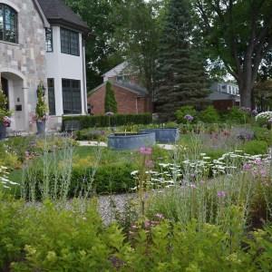 fountains-pots-and garden