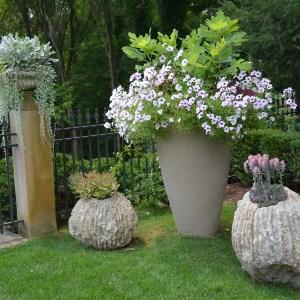 large Atelier Verkant cylindrical pot