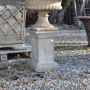 gray-concrete-pedestal