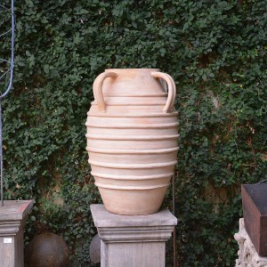 banded-stoneware-with-handles