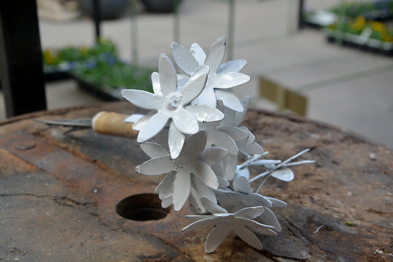 Small bouquet of Metal Flowers | Detroit Garden Works