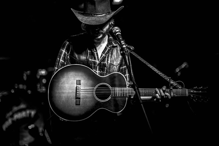 Colter Wall  wsg The Local Honeys at El Club 6