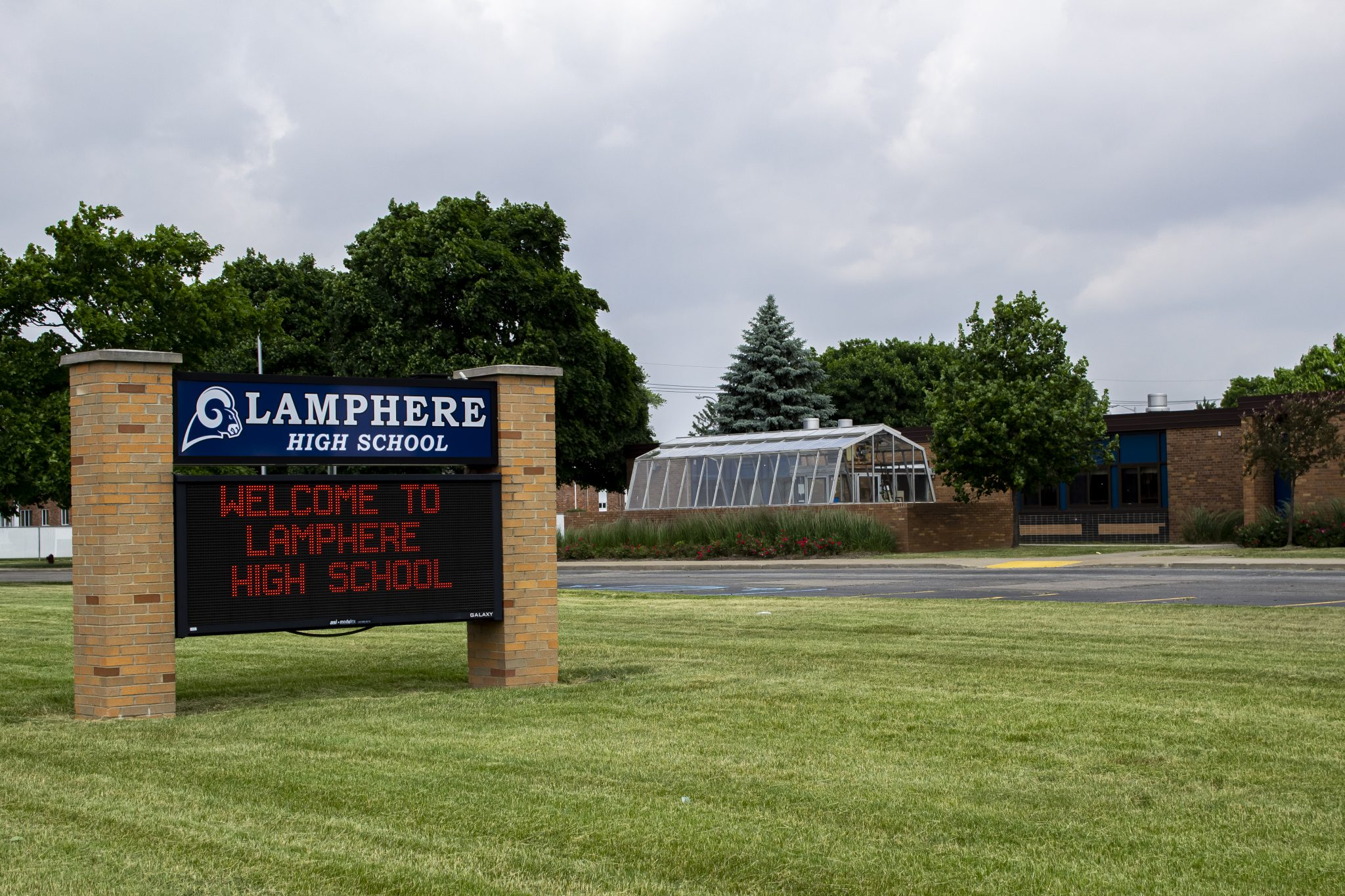 RESUME SCHOOL LAMPHERE SCHOOLS IS ONE DISTRICT PREPARING TO REOPEN WITH MULTIPLE PLANS. PHOTO JOHN BOZICK