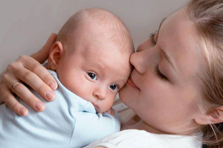 Ребенок 1-3 месяца: правила общения с грудничками