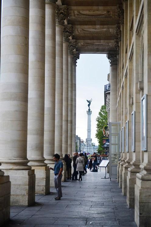 Bordeaux, operaen i Bordeaux, Monument aux Girondins