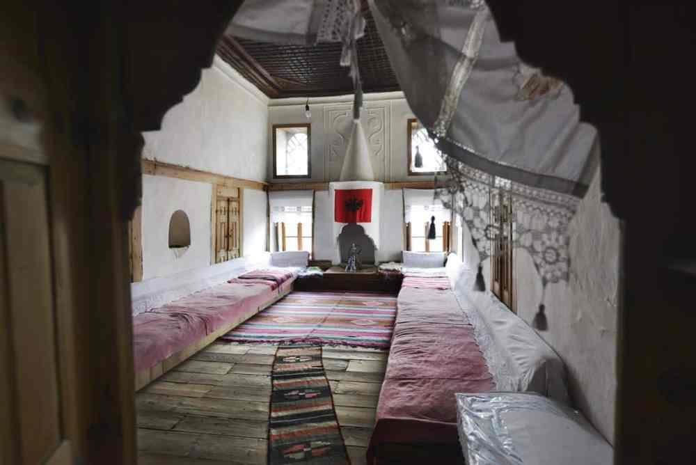 Skenduli House er et tradisjonelt osmansk hus i Gjirokastra