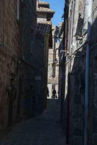 Smug i gamlebyen i Bolsena i Lazio