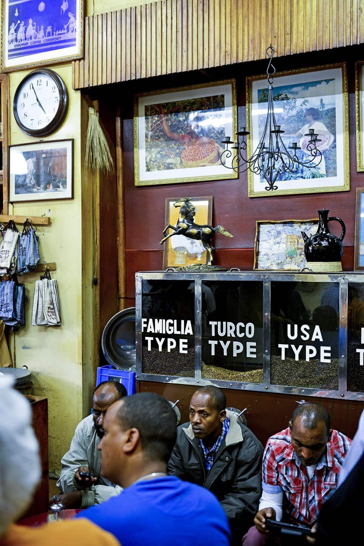 Kafeen Tomoca i Addis Abeba