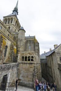 Trapper i klosterøya Mont-Saint-Michel i Frankrike