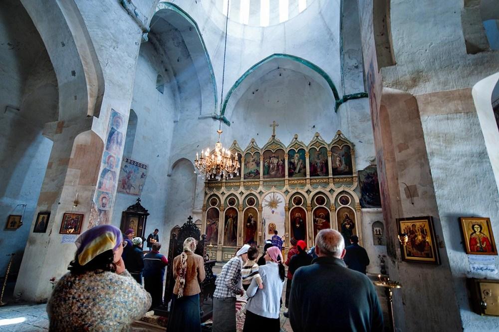 Maria himmelfartskirken i Ananuri i Georgia