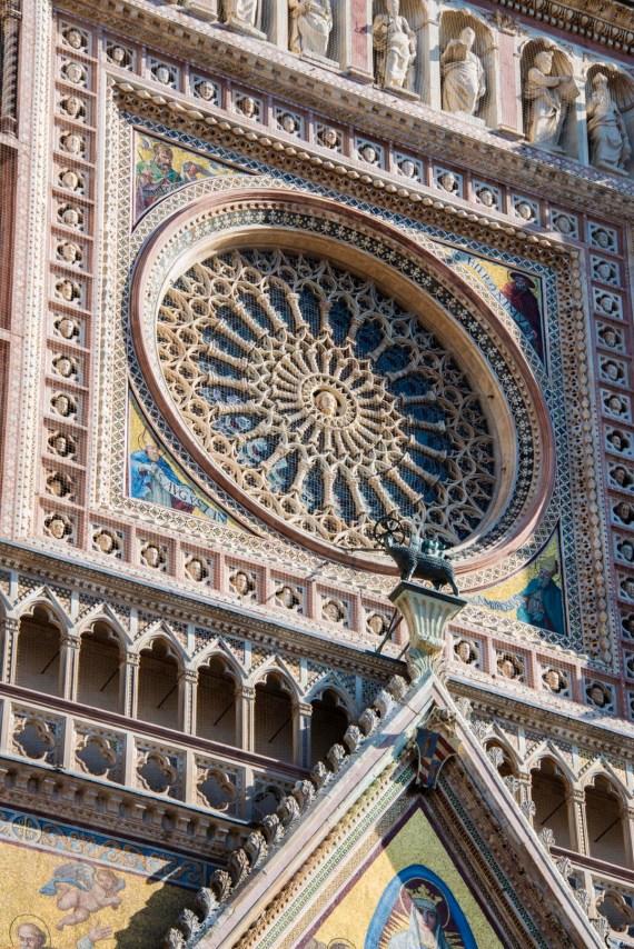 Rosevinduet på katedralen i Orvieto