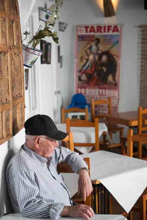 Tradisjonell bar i Andalucia med tyrefekterplakat