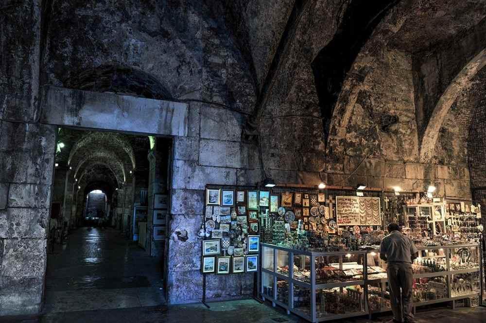 Kjelleren under Diokletians palass i Split
