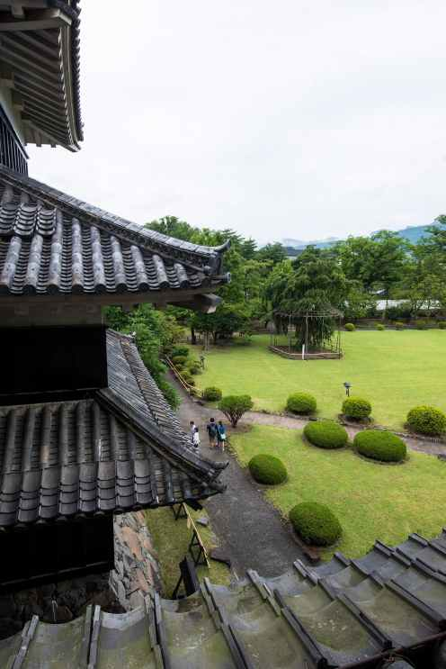 Tak på Matsumotoborgen i Japan