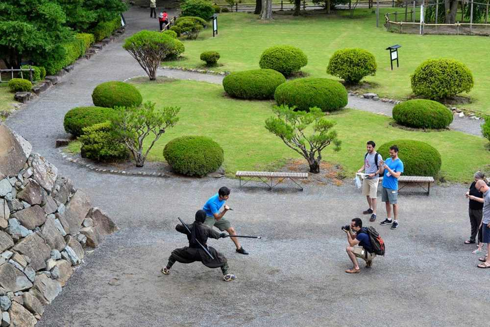 Samurai utenfor Matsumotoborgen