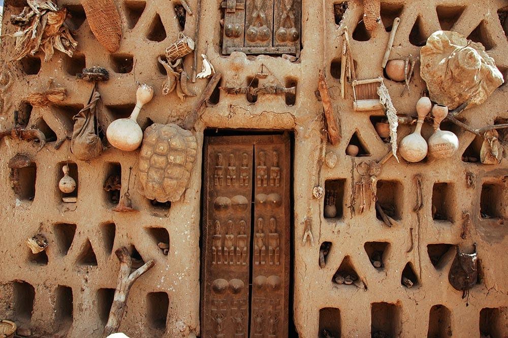 Husfasade i Dogon i Mali