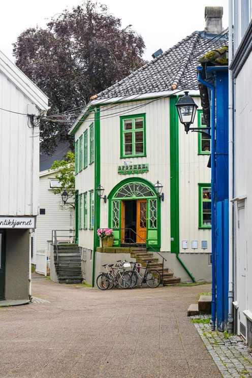Gammelt trehus i Grimstad