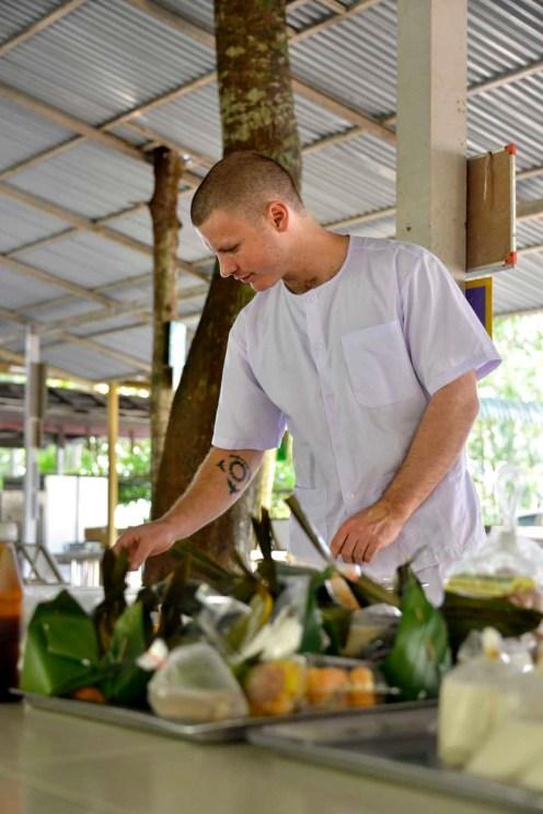 Novise i buddhistisk kloster i Thailand
