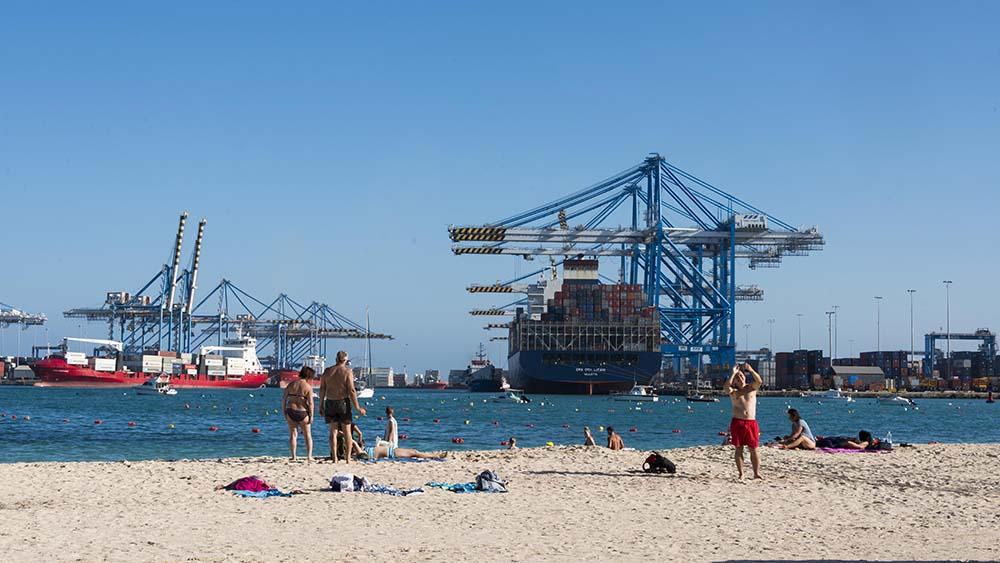 Stranda Pretty Bay og Malta Freeport