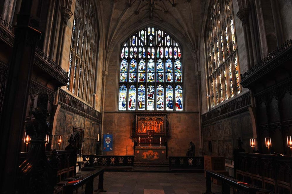 Glassmalerier i et kapell i Winchester Cathedral