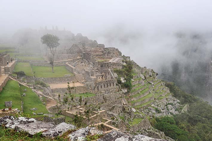 Morgendis over Machu Picchu