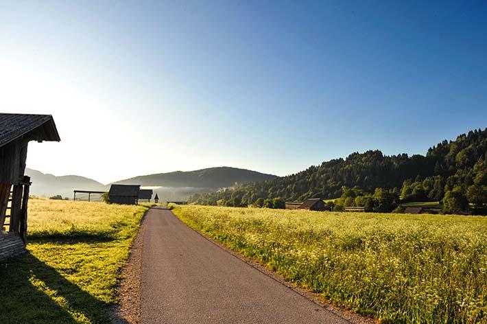 Landevei gjennom Bohinj-dalen