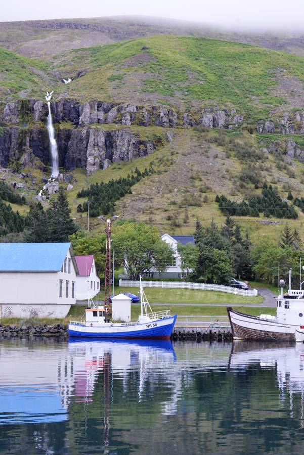 Fiskebåter til kai i Seyðisfjörður