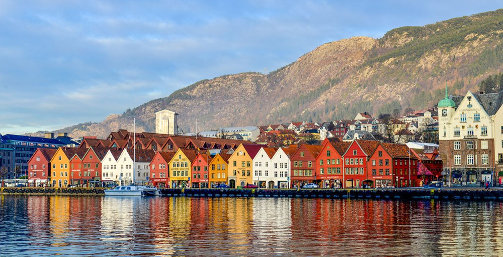 Bryggen i Bergen sett over Vågen