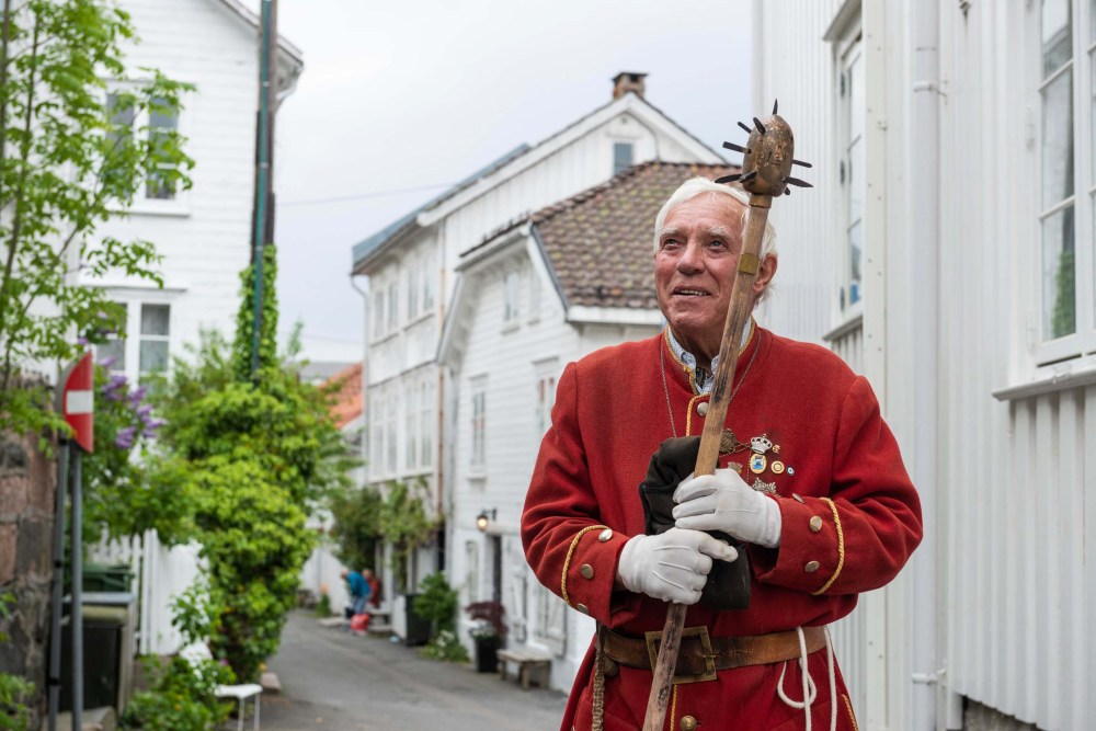 Vekter John Thomas Axelsen i Øvregata i Risør