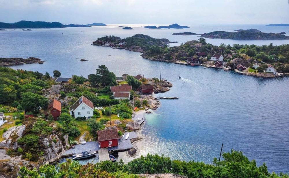 Utsikt over Søgneskjærgården fra Knibben på Borøya