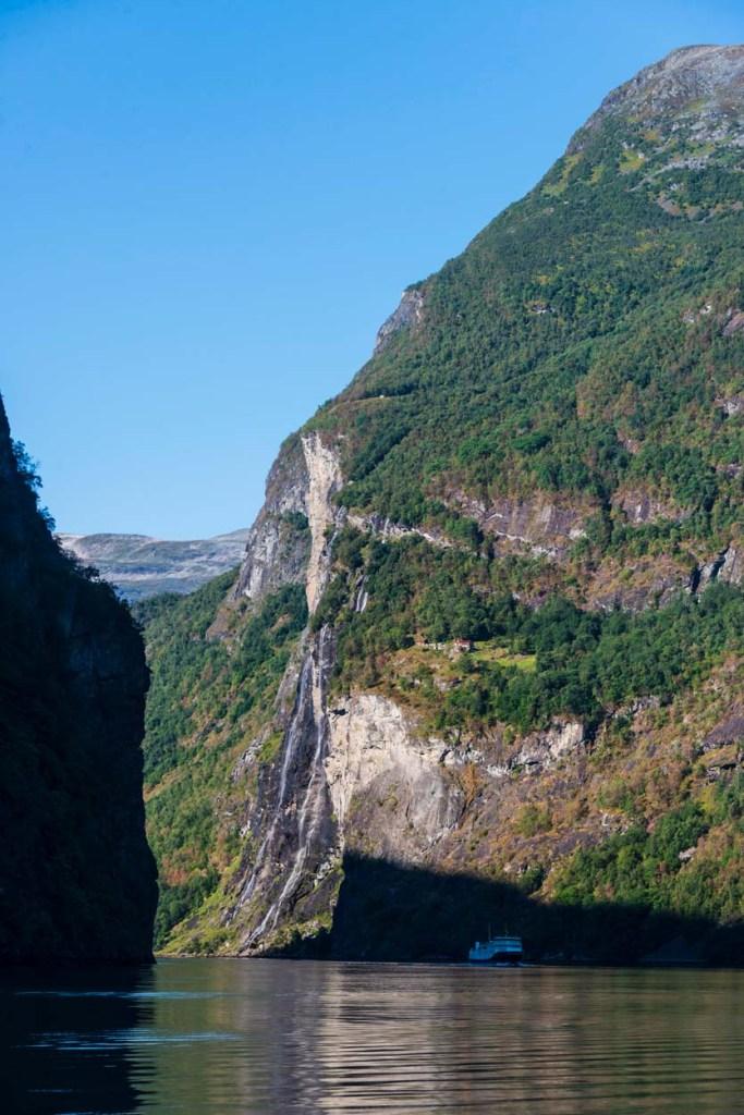 Geirangerfjorden med Knivflå