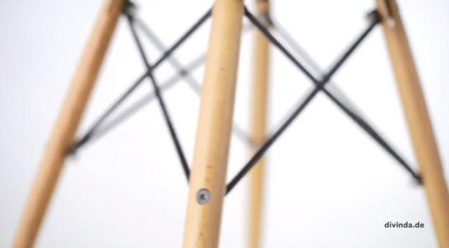 A inigualável Cadeira Charles Eames Wood Eiffel detalhe