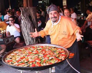 Paella é a delícia que ninguem bota defeito