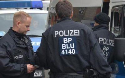 """ألمانيا : عملية أمنية ضخمة ضد عصابة """" بولندية – سورية """" لتهريب اللاجئين"""