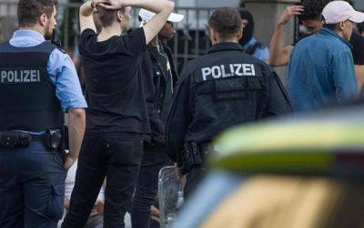 ألمانيا : حادثة مروعة تؤدي لخسارة مراهقة ساقها في محطة للحافلات