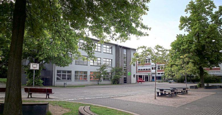 ألمانيا : طالب يخطط لق. تل أستاذه بسبب عدم رضاه عن العلامات التي منحه إياها !