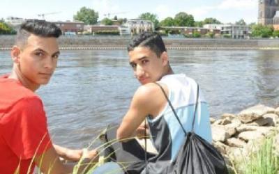 ألمانيا : مراهقان سوريان ينقذان سيدة ألمانية من الغرق في نهر
