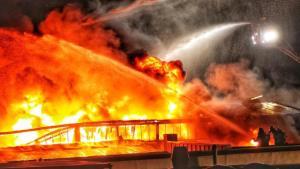 ألمانيا : إخماد حريق استمر ثماني ساعات بمطبعة .. و خسائر بملايين اليوروهات