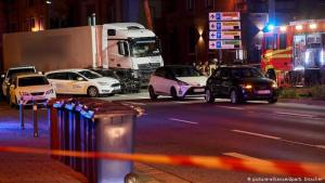ألمانيا : سوري يسرق شاحنة و يتجاوز إشارة و يصدم عدة سيارات و يصيب عدة أشخاص !